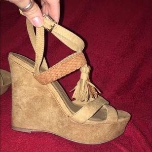 VENUS Platform Wedge Sandals Size 7